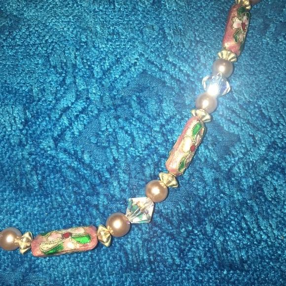 Vintage Jewelry - Vintage Crystal Porcelain Pearl bead necklace